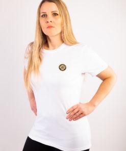 T-shirt-bio unisexe blanc col rond à manches courtes en coton biologique labellisé GOTS et écusson sheilla dieudone paris brodé à paris avec du fil en soie de couleur or